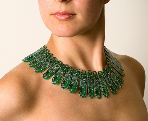 images/stories/Computer-Art-Reused/circuit-board-necklace.jpg