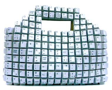 images/stories/Computer-Art-Reused/recycle-your-dead-keyboard-for-ladies.jpg